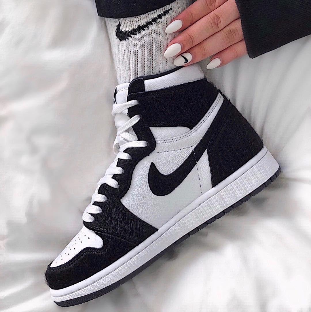 many fashionable more photos huge discount jordan 1 retro high twist (W) 2019 #sneakersjordans in 2020 ...