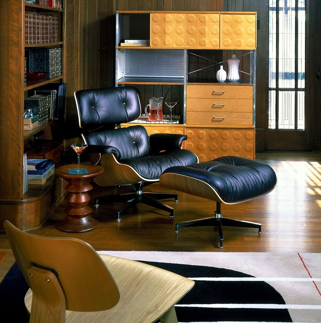 The Eames Lounge Chair Pairs Soft Gets Better With Age Leather With The Striking Form Of Molded Plywood Eames Lounge Chair Eames Lounge Lounge Chair Design