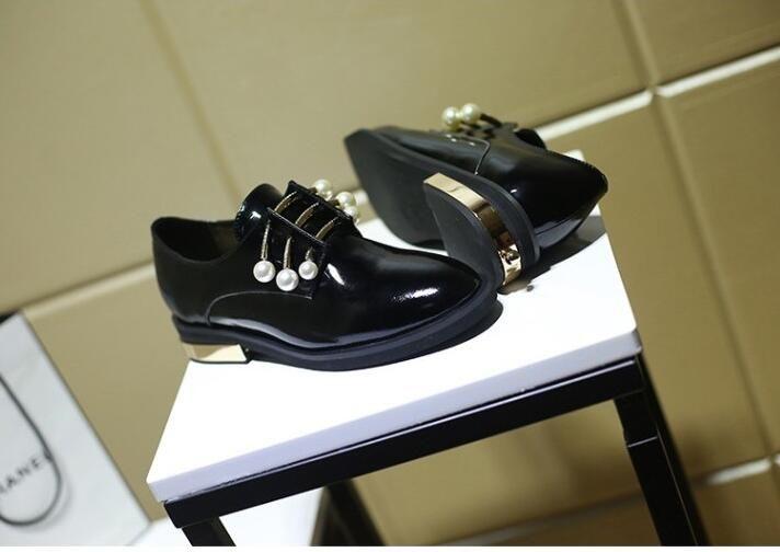 c251296f42615 Chaussure femme femmes chaussures pompes avec mentale et perles décoration  slip on bout rond à talons