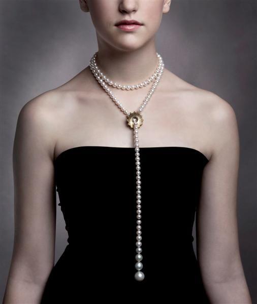 1674a1eb470fbb Mega Chic Pearl necklace. Design Emquies-Holstein. Photo Ida Wang ...