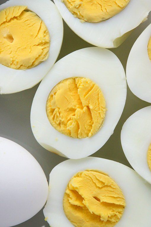 How to Use a Muffin Pan to Cook Hard Boiled Eggs | eHow.com #hardboiledeggs
