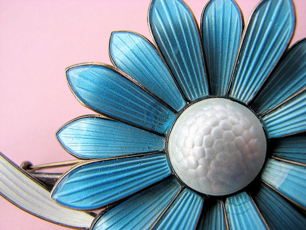 Aksel HOLMSEN Norway Sterling Guilloche Flower Pin!