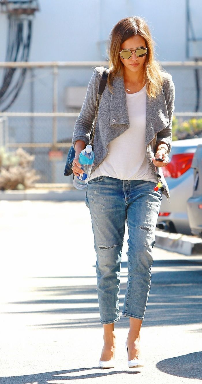 Jessica Alba in Citizens of Humanity Jeans - http://denimology.com/2014/09/jessica-alba-in-citizens-of-humanity-jeans