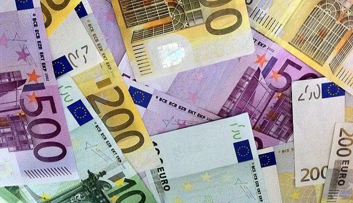 """Juan Fernando Robles, profesor del CEF.- afirma que """"El crédito se estabilizará en 2014, pero habrá que esperar como mínimo otro año más para que la concesión de financiación se reactive por completo"""" http://www.arndigital.com/economia/noticias/7461/vuelve-la-banca-los-grandes-creen-que-el-credito-dejara-de-caer-en-2014/?utm_content=bufferf253a&utm_source=buffer&utm_medium=twitter&utm_campaign=Buffer"""