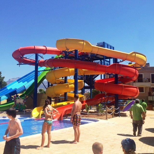 Hotel albir benidorm espa a parques de agua for Hoteles bajo el agua espana