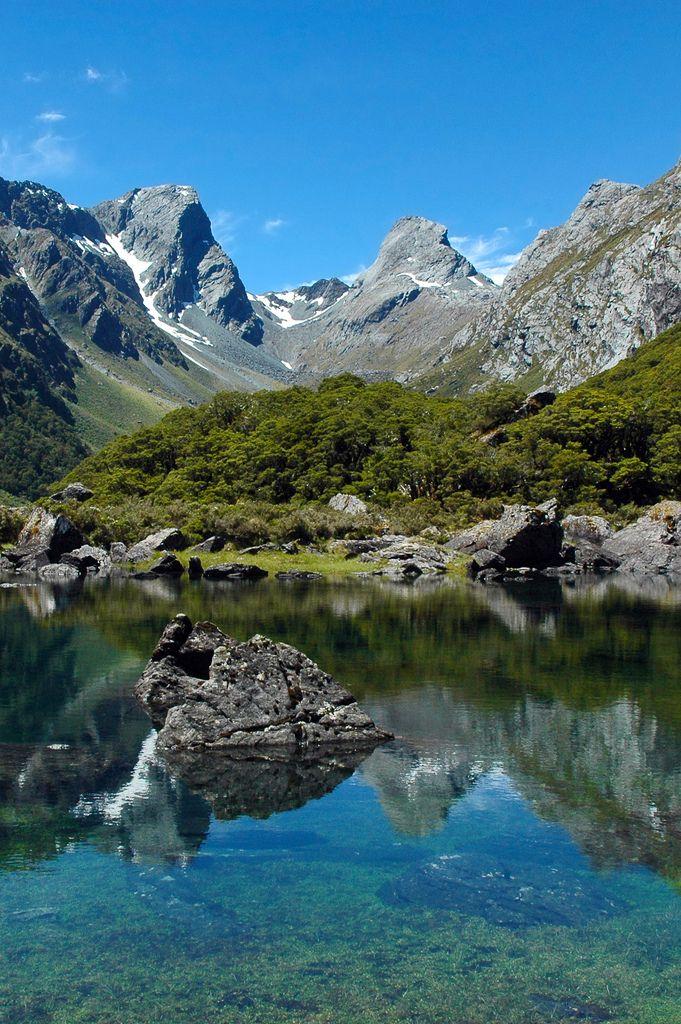 Lake Mackenzie, Routeburn Track, Otago/Fiordland, New Zealand - Kiwi Discovery Queenstown