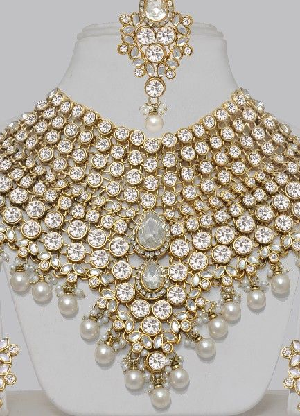 Heavy Indian Bridal jewelry Indias women and jewelry Pinterest