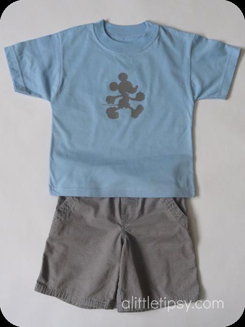 A Little Tipsy: Make a Mickey Shirt Disney DIY shirt