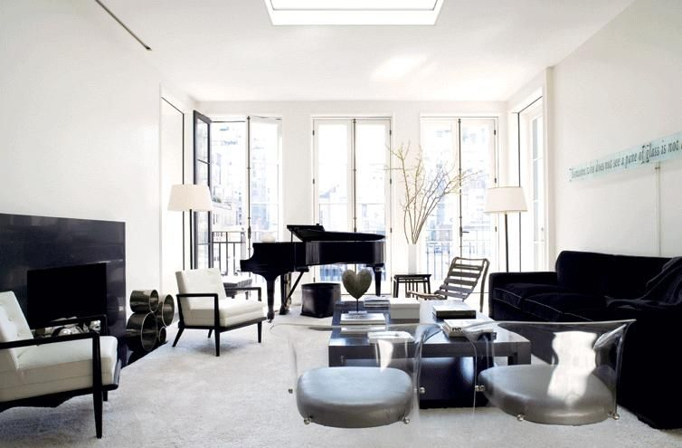 Stunning contemporary room...manages not to be cold. By Laura Casey.