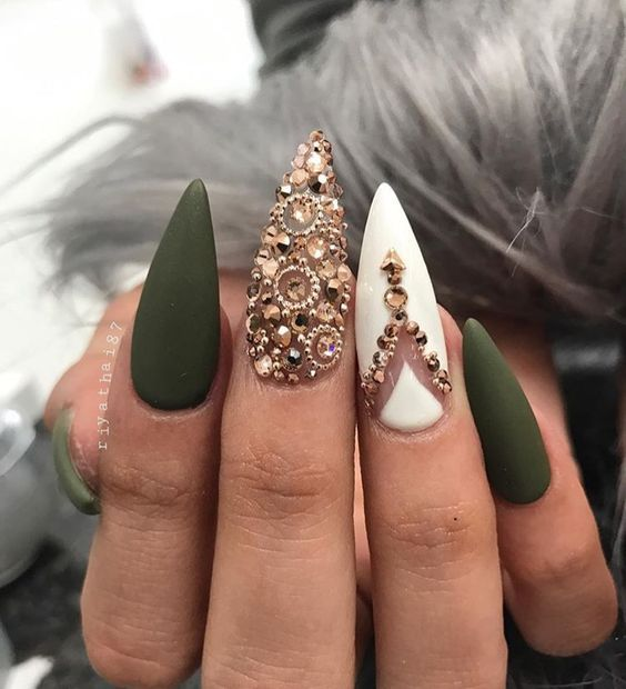 56 Fall Acrylic Nail Colors To Try This Year Koees Blog Fall Acrylic Nails Golden Nails Simple Stiletto Nails