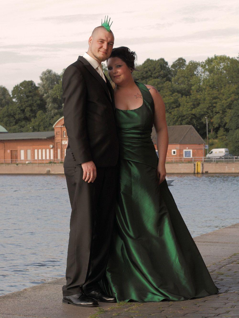 Punk Braut in grün  Cindy & Ella Bridal  Hochzeitskleid, Braut