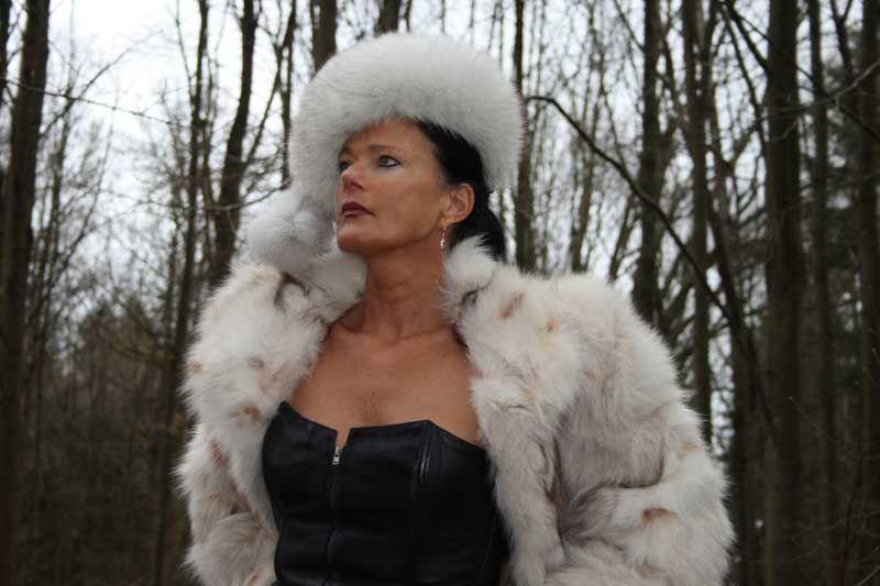 sm news week 06 17 lady samantha eliteherrin pinterest herrin lady und domina. Black Bedroom Furniture Sets. Home Design Ideas