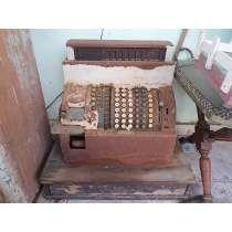 Máquina Antiga Registradora De Ferro