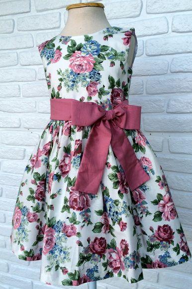 422c74d68 Vestido Festa Floral Branco e Rosa   Costura Renata   Pinterest ...