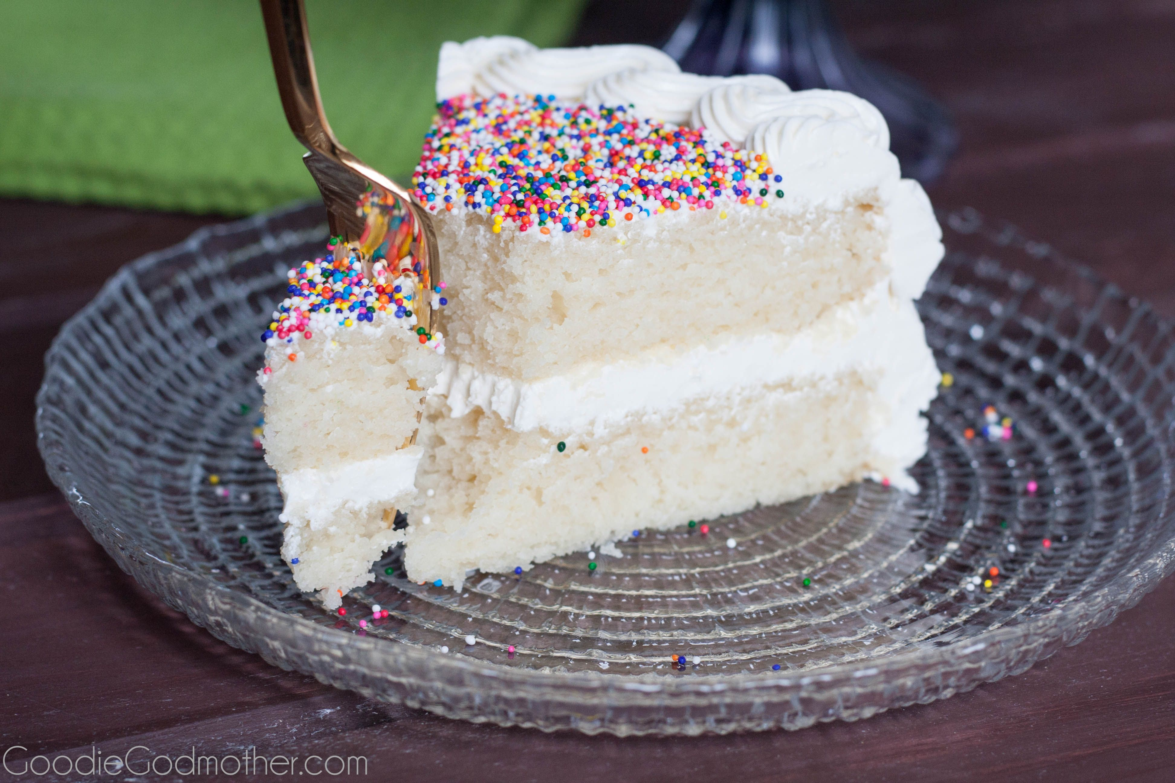 Perfect white cake recipe from scratch! No shortening or artificial ...