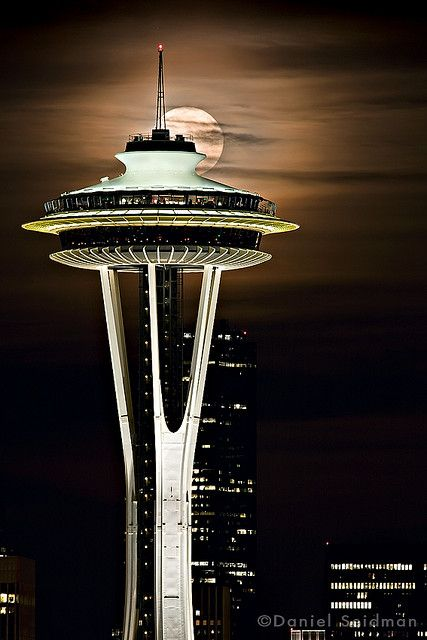 Needle And Moon With Space Between In 2020 Amazing Buildings