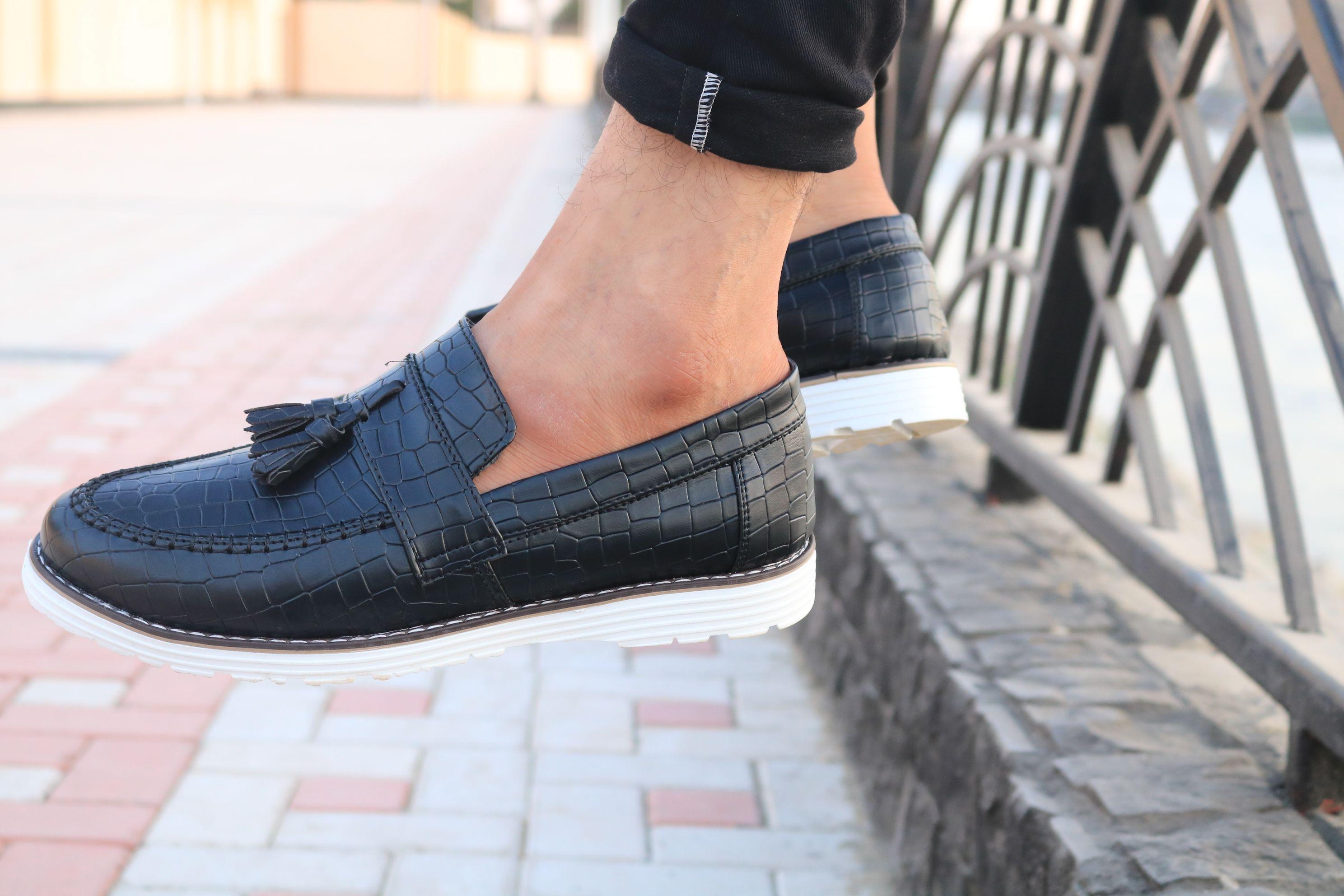 جزمة رزار بالابل علي الموضة ب 180ج Dress Shoes Men Loafers Men Dress Shoes