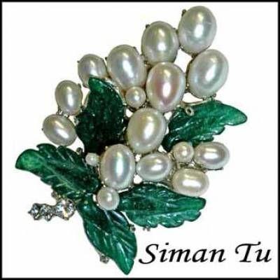 Elegant Pearl Brooch by Siman Tu