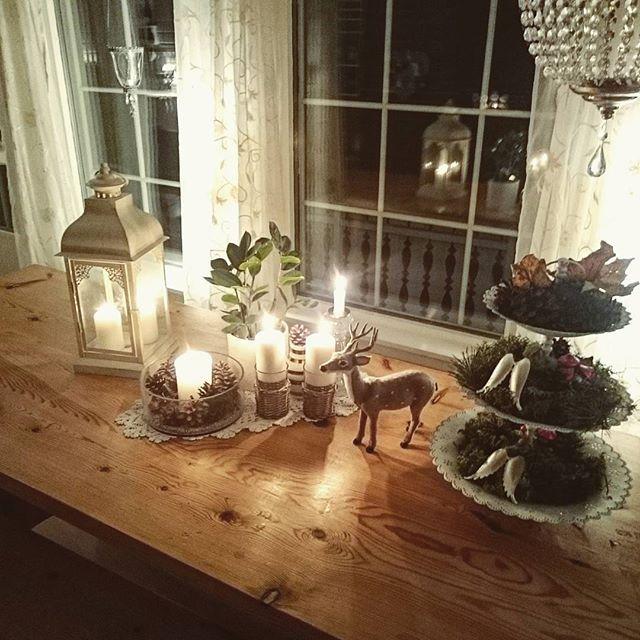 ✨ En liten stemningsrapport med ønske om ei god helg✨#interior444 #interior123 #unike_hjem #interior125 #ninterior #finehjem #hem_inspiration #homesweethome #vakrehjemoginteriør #interior4you1 #kongler #lovely_interior_ #shabbyyhomes #minstil #mm_interior #stemningsbillede #mynorwegianhome #landligehjem #interiørinspirasjon #stue #instahome #livingroom #kähler