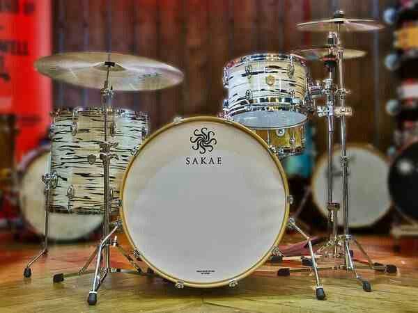 sakae drums another rare type of drum set drums drums vintage drums snare drum. Black Bedroom Furniture Sets. Home Design Ideas