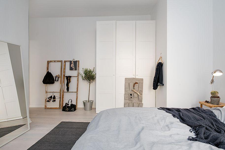 bedroom//window frames..