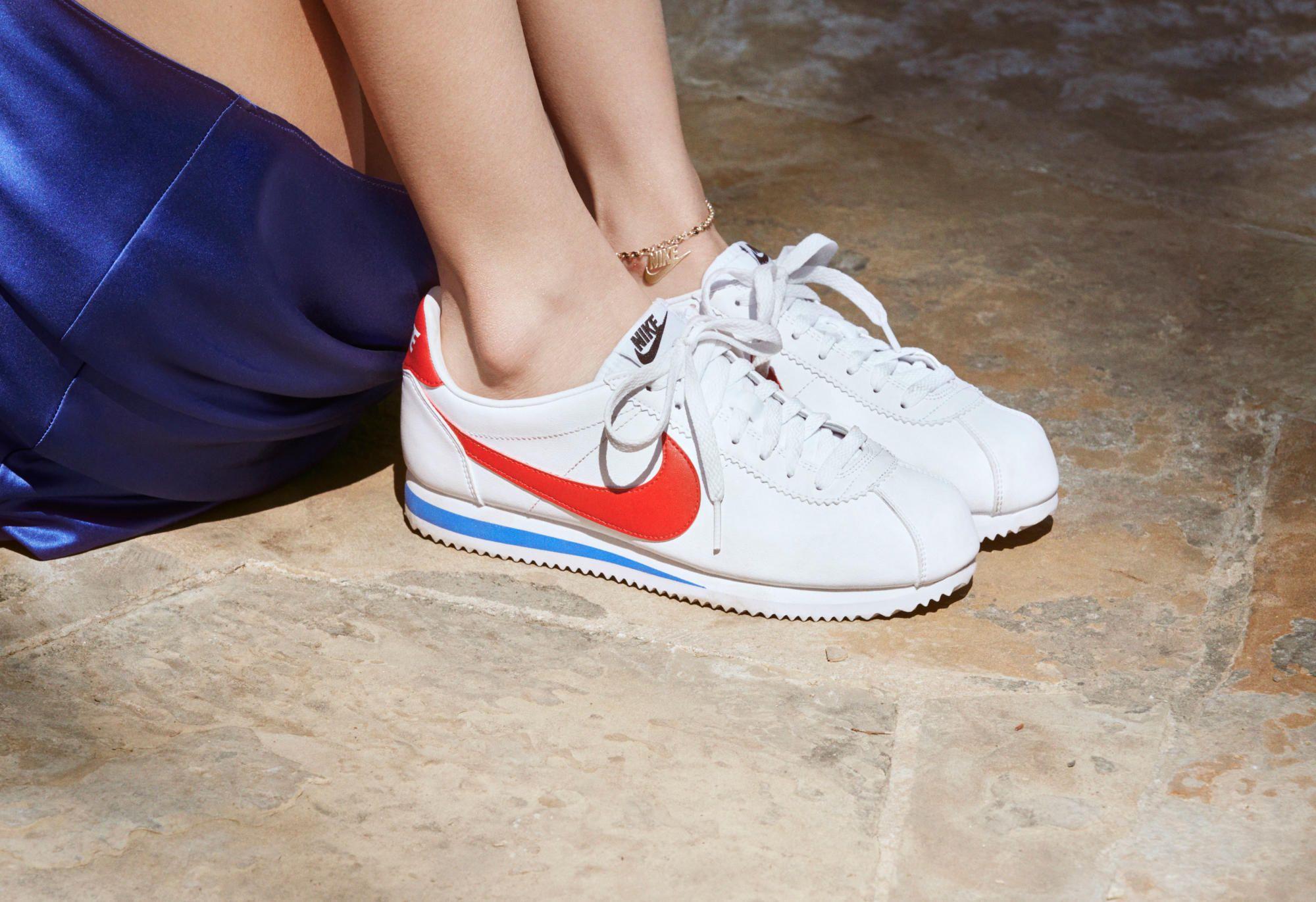 bd839597eaea0 Bella Hadid s New Nike Campaign Pays Homage to  70s-Era Farrah ...