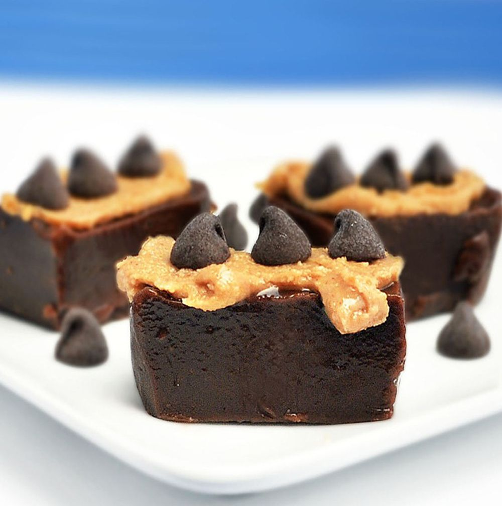 Absolutely no sugar, no butter, no corn syrup. Healthy Chocolate Peanut Butter Fudge.