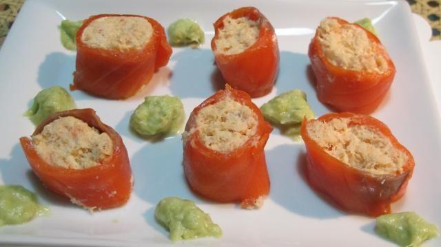 mousse de poisson en cannelloni de saumon fum sauce au poireau recettes d licatesse. Black Bedroom Furniture Sets. Home Design Ideas