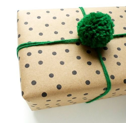 Do you know how you're going to wrap your presents? From colorful to ultra simple, above are some unique & beautiful ways to dress up your gifts. 1/ 2/ 3/ 4/ 5/6/ 7