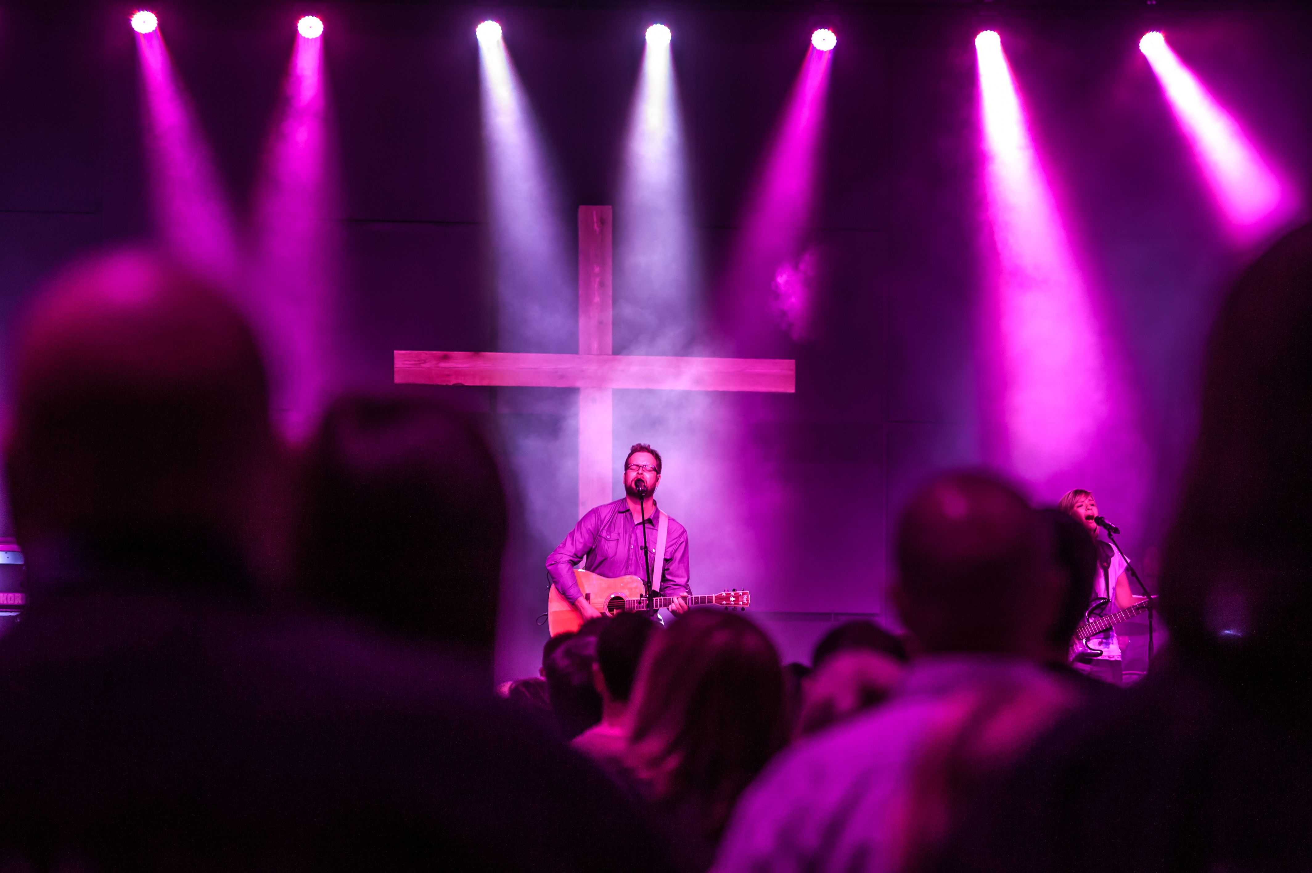 At the Cross Martin Mac 101 lighting up house of worship at Solace Church #IntegrityLighting & At the Cross Martin Mac 101 lighting up house of worship at Solace ...