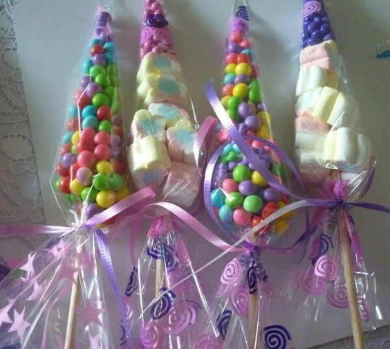 4a928fcd6 Obsequios dulces en bolsas de cono | unicornio