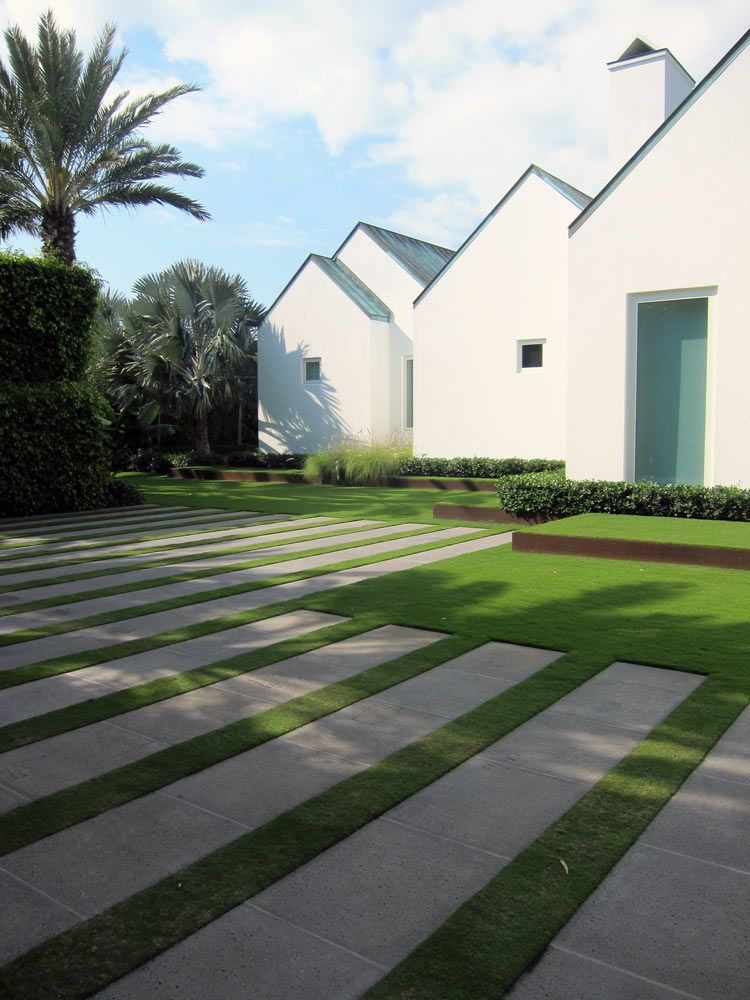 Palm beach modernist retreat landscape architect mario for Home landscape architecture