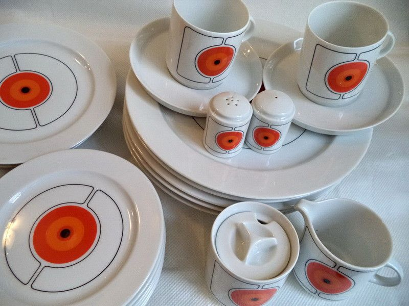 LOT 26 Rosenthal Thomas ECLIPSE 70s vintage China Dinnerware Mid Century Modern modernist orange circle bullseye pattern including salt pepper ... & LOT 26 Rosenthal Thomas ECLIPSE 70s vintage China Dinnerware Mid ...