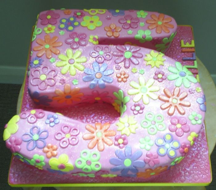 Little Girl Birthday Cakes Images Cost 50 Order Notice Time 3