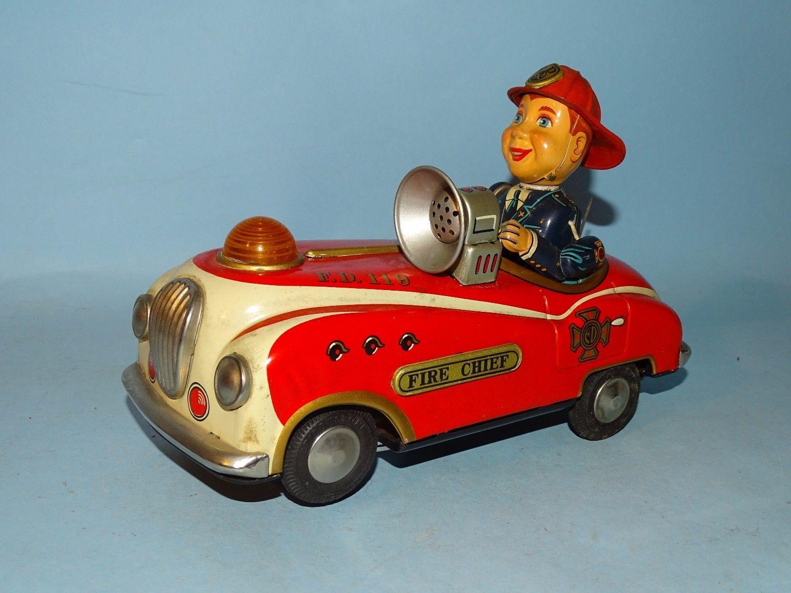 Toys car battery  Fire chief car tin battery toy masudaya japan  Vintage u Antique