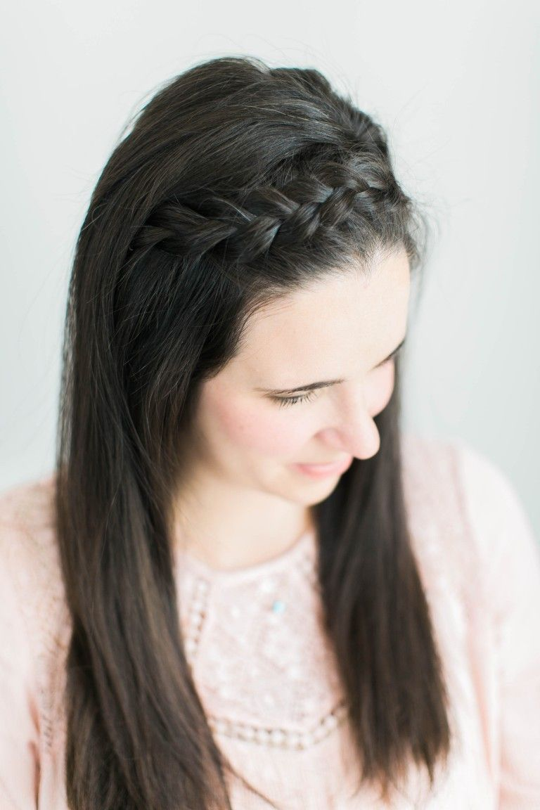 2 Hacks For A Front Braid On Dark Straight Hair Side Braid Hairstyles Straight Hair With Braid Braided Hairdo
