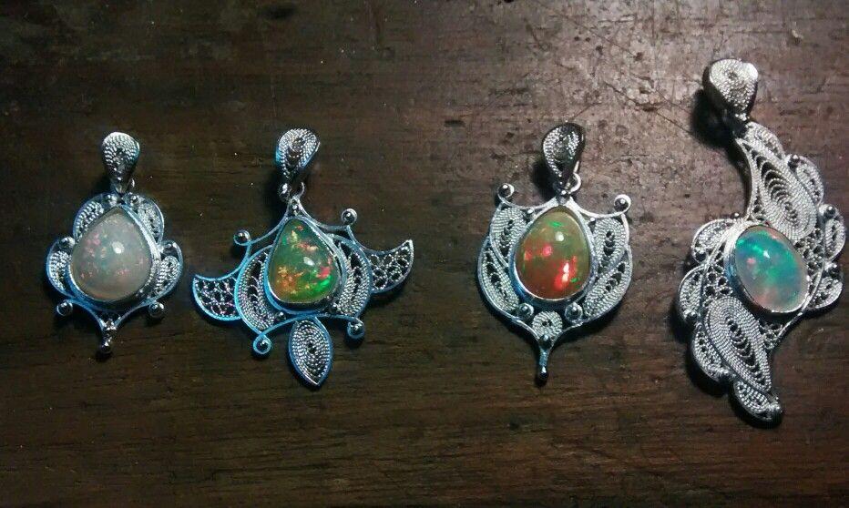 Dijes filigrana plata opalos etiopes