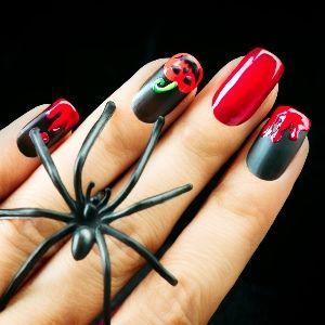 Красный маникюр на Хэллоуин (фото) Отличная альтернатива традиционному черному цвету красный маникюр на Хэллоуин. Можно не ограничиваться однотонными ногтями и внести разнообразие!  #маникюр #ногти