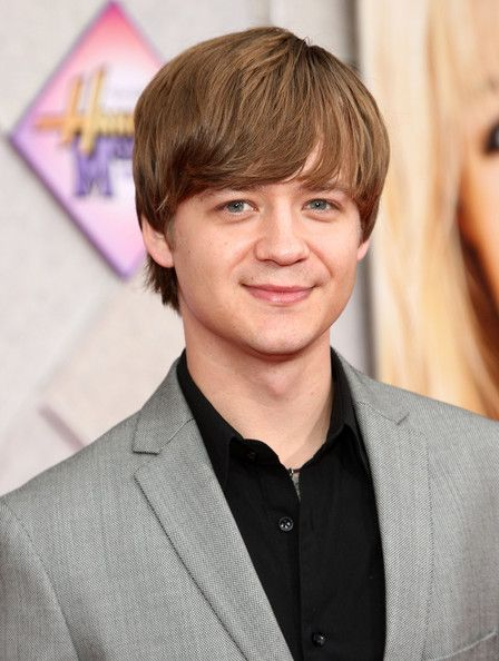 jason earles wikipedia