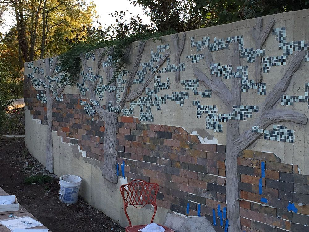 Building A Mosaic Tile Retaining Wall Concrete Retaining Walls Concrete Garden Retaining Wall