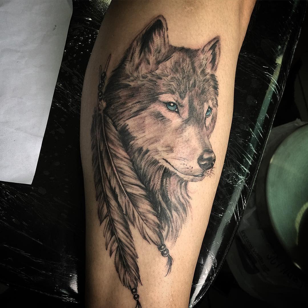 Wolf Lobo Tattoo Tatuagem Gugotattoo Sp Wolf Tattoos For Women Wolf Tattoo Shoulder Native American Wolf Tattoo