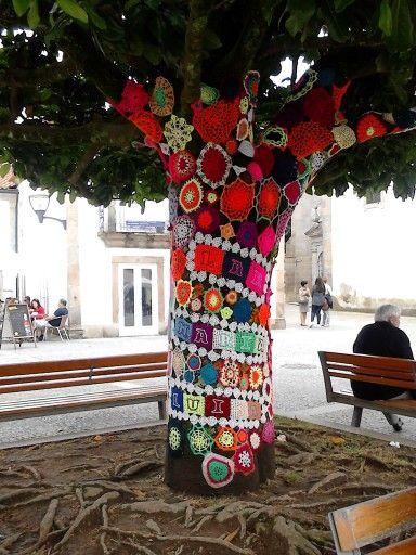 O Crochet Sai à Rua Vila Nova De Cerveira 2014 Yarn Art Yarn Bombing Crochet Art