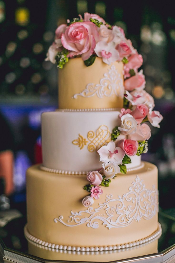 Wedding cakes new design at this moment go for them for your