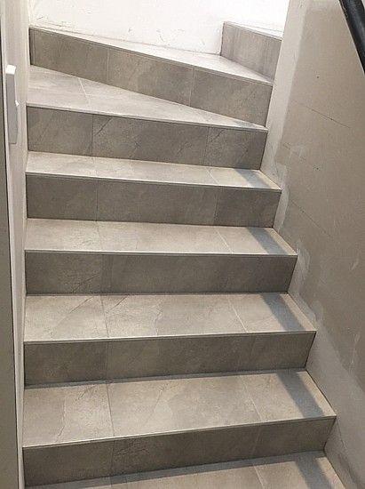 Pin Von Kira Auf Haus Treppenfliesen Treppe Fliesen Und