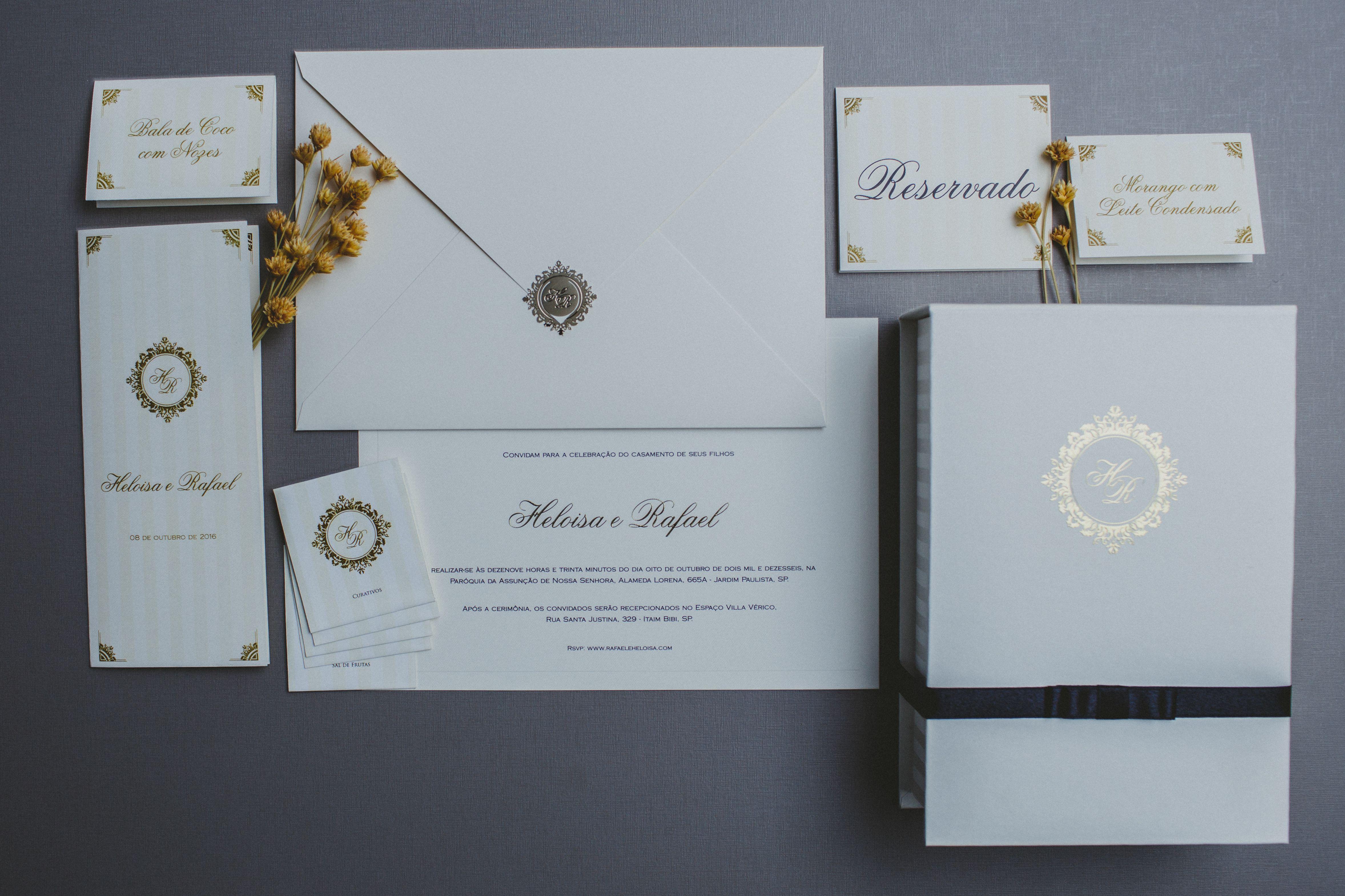 Convite de casamento romântico, muito amor e carinho em cada produção.