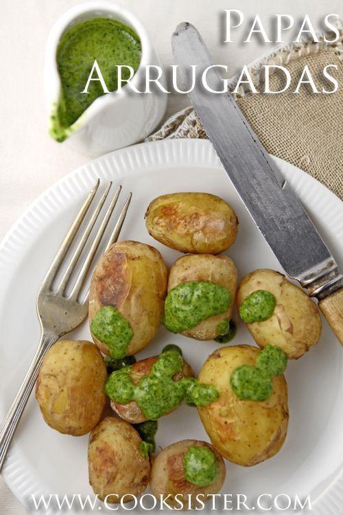 Papas Arrugadas con mojo verde - ein traditionelles kanarisches Gericht mit ...   - Fuerteventura - #Arrugadas #con #ein #Fuerteventura #Gericht #kanarisches #mit #mojo #Papas #traditionelles #verde #cilantrosauce