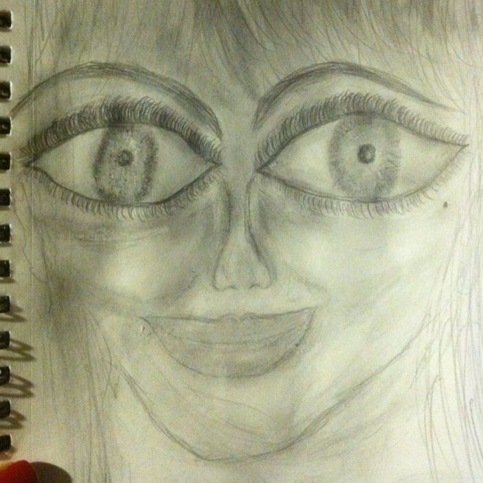 Haha my first face drawing kinda looks alien !!!!