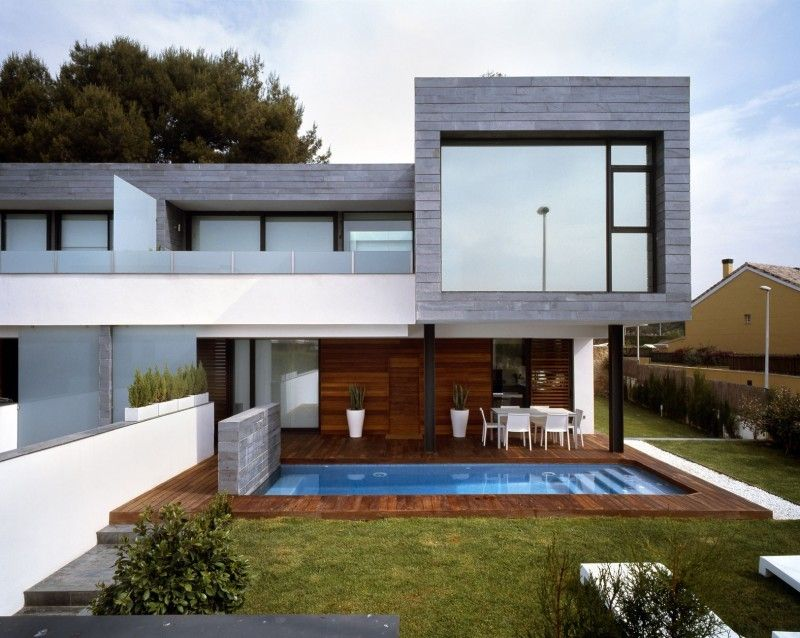 Simple Casa Moderna Con Fachada De Ladrillo Gris Vivienda