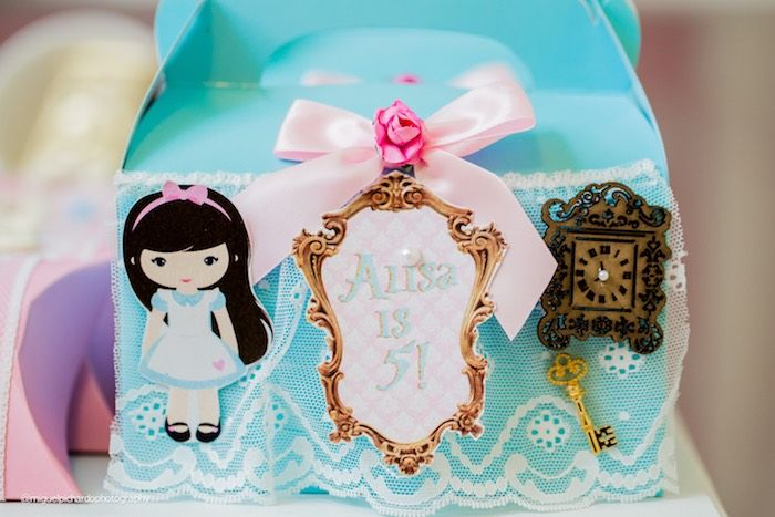 Alice in Wonderland gable favor box from a Pastel Glam Alice in Wonderland Birthday Party on Kara's Party Ideas | KarasPartyIdeas.com (23)