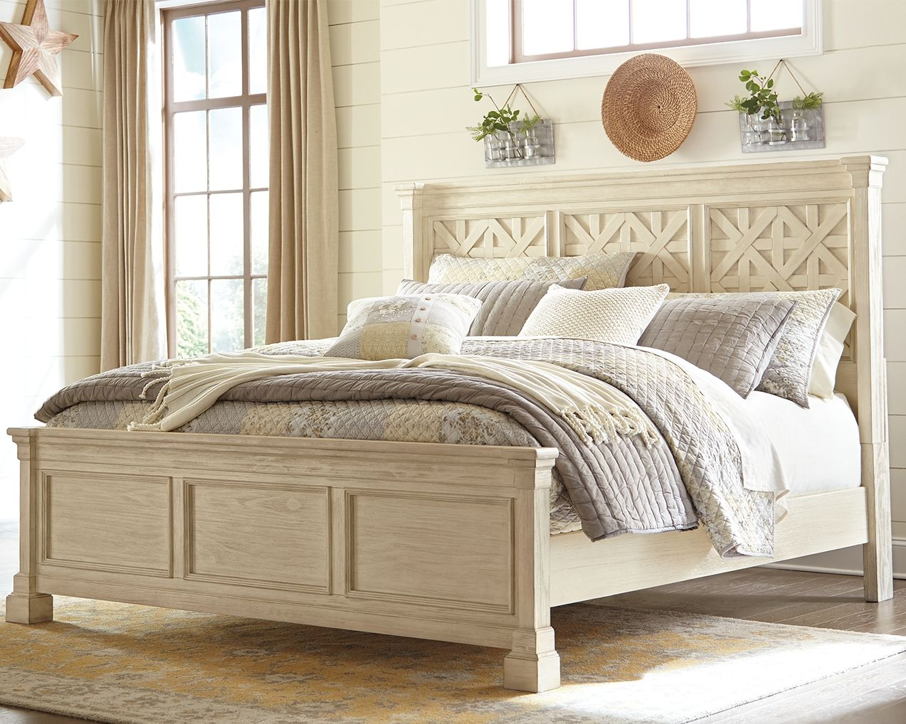 Best Bolanburg California King Panel Bed White Paneling 640 x 480